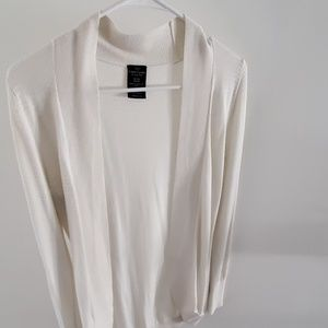 Womans sweater size s 4/6 cream color